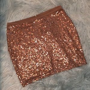 H&M rose gold sequin mini skirt